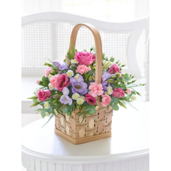 Scented pink lilac basket mightylinksfo Image collections